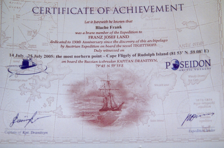Zertifikat (Foto: Frank Blache)